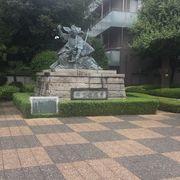 歌舞伎の像