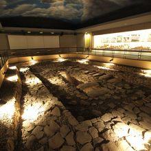 古墳石室の再現