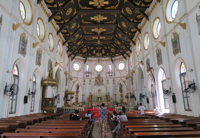 聖母生誕大聖堂 (サムットソンクラーム)