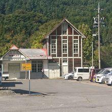旧島々駅舎 (松本市波田観光案内所)