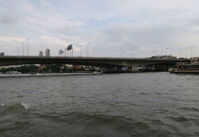キング タクシン橋