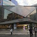 写真:東京芸術劇場