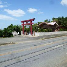 赤名宮全体を国道390号線側から見る