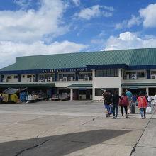 タグビララン空港 (TAG)