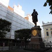 ナッシュマルクト広場の像