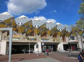 ユニークな建物