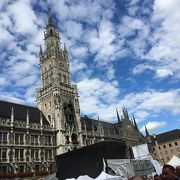 ミュンヘン新市庁舎の前の広場
