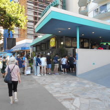 エッグスシングス(ワイキキビーチ店)朝の行列