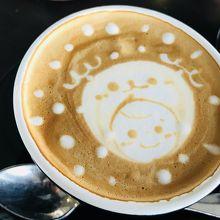 食後にカフェラテを。。