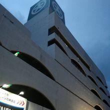 下関駅前の百貨店