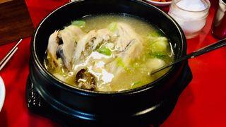 チョントンサムゲタンウォンガ (正統参鶏湯元家)