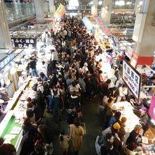 唐戸市場の二階からの眺め