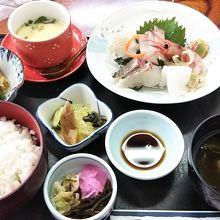 刺身定食(1600円)