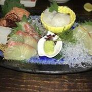 刺身盛と海鮮揚物で一杯