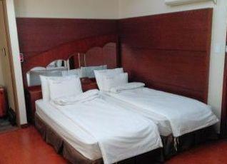 ニュー ブリム ツーリスト ホテル 写真