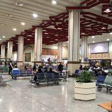 ラホール国際空港 (LHE)