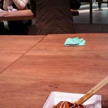 大阪らしい素朴なコナモノ「ちょぼ焼」を気軽に味わえます