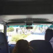 空港から送迎バスで10分くらい