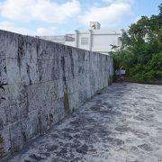 石垣市は復元を考えないのだろうか。こんな「跡」では観光にならぬ。