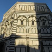 大聖堂の正面玄関に・・・