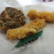 沖縄の高速道路の終点の許田の道の駅で食べる揚げたての天ぷらは安くてうまい!