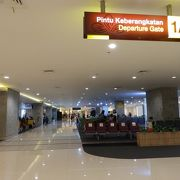 地方空港ですが、国際空港なので広いです。