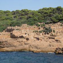 地中海越しの高級住宅街跡。美しすぎます・・・!