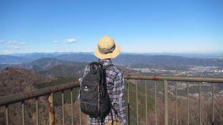 東京スカイツリー、横浜ランドマークタワー、筑波山、相模湾など、関東平野一望の絶景が素晴らしい
