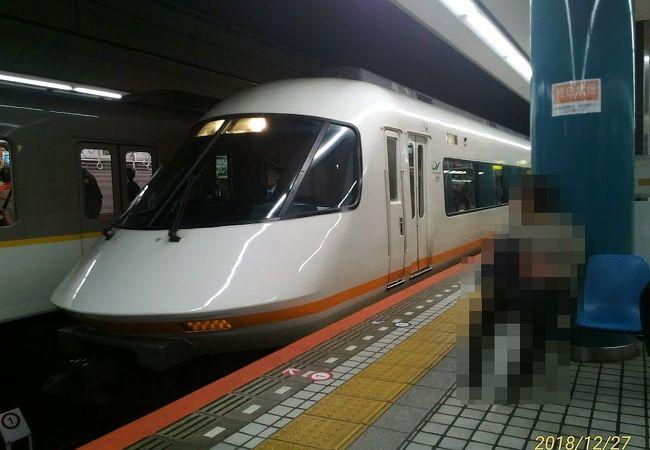 大阪メトロ御堂筋線なんば駅から至近距離(階段を上がる必要なし)