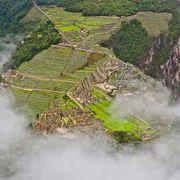 マチュピチュ遺跡の全景を一望できる神秘の山♪