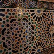 壁のタイルのモザイク模様が美しかったです