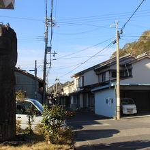 漁村と宿場町をミックスしたような雰囲気のいい町並み