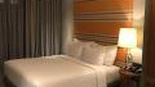 チジリ ホテル セミニャク