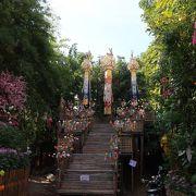 チェディルアンの北にある寺院