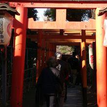 花園神社入り口