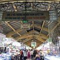 工芸品や衣類、土産物を始めとした、数多くの品が揃うマーケット