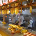 写真:上海老城隍廟小吃広場
