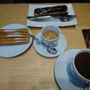 チョコレート専門店でカフェ休憩