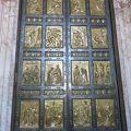 写真:聖なる扉