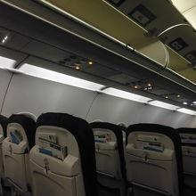 機内です。