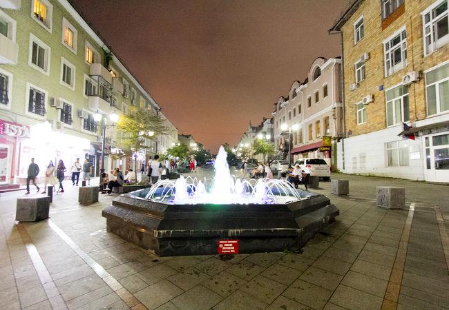 夜の噴水通り