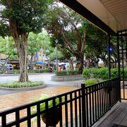 食べ物屋さんが多い永康街の途中、不意に現れる小さな公園