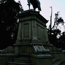 上野公園内の銅像