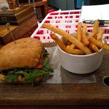 Salmon fillet burger  16C$