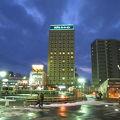 JR弘前駅から真正面に見えるホテル