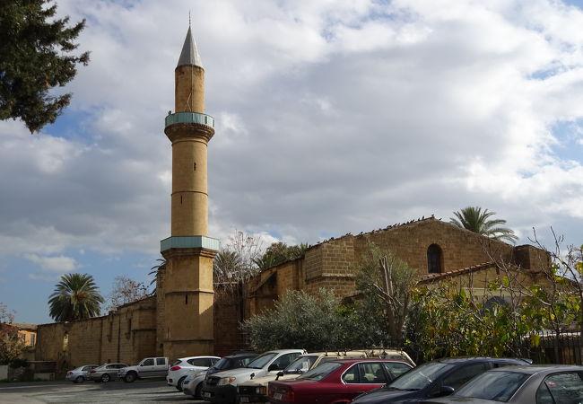 オメリエ モスク