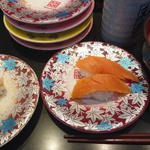 サーモンと貝と味噌汁