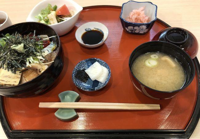 安くて美味しい海鮮丼の日本料理店が魚津駅前にありました