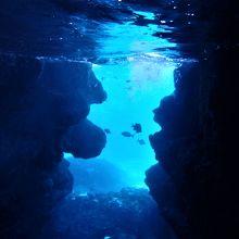 青の洞窟 (宮古島)