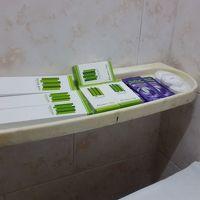 歯ブラシ、シャンプー、シャワーキャップ